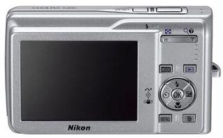 Nikon Coolpix S200 stříbrný