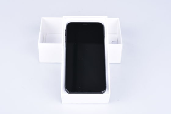 Apple iPhone X 64 GB šedý bazar