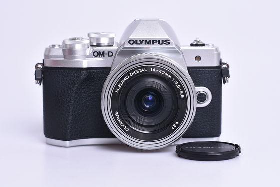 Olympus OM-D E-M10 Mark III + 14-42 mm EZ bazar