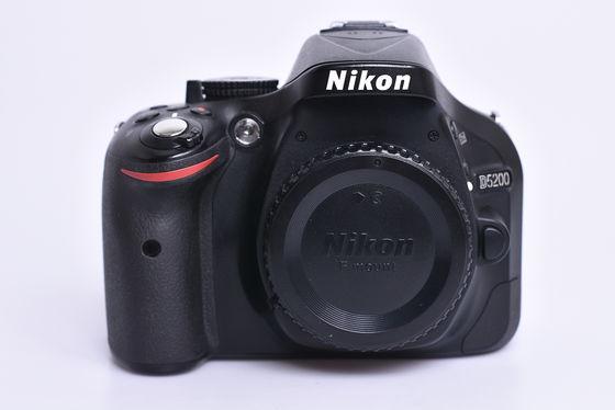 Nikon D5200 tělo bazar
