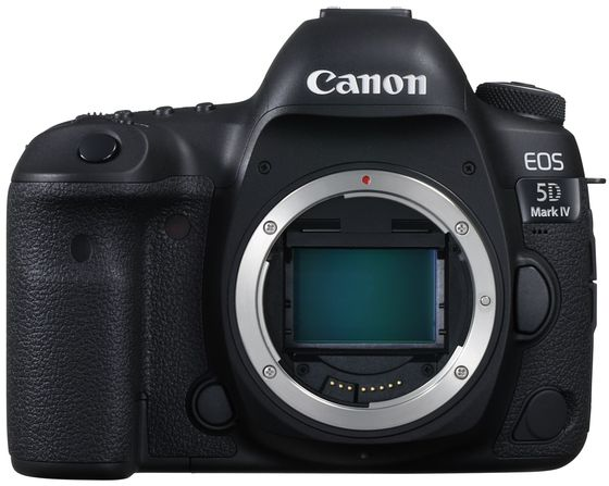 Canon EOS 5D Mark IV + Canon blesk Speedlite 430 EX III RT