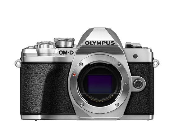 Olympus OM-D E-M10 Mark III + 12-200 mm stříbrný