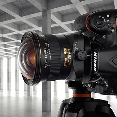 Nikon inovoval zoom 70–200/2,8E FL ED VR a představil tilt-shift širokáč PC 19/4E ED