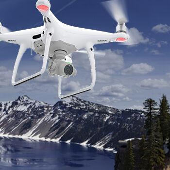 Chcete létat v oblacích? S novým dronem to jde snadno!