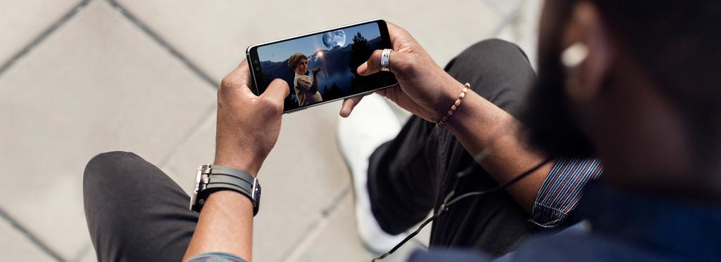 Samsung Galaxy A8 multimediální zážitek