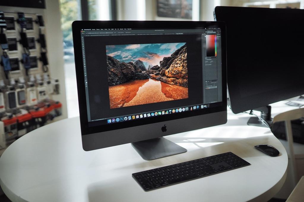 pripojiť štúdio monitory iMac