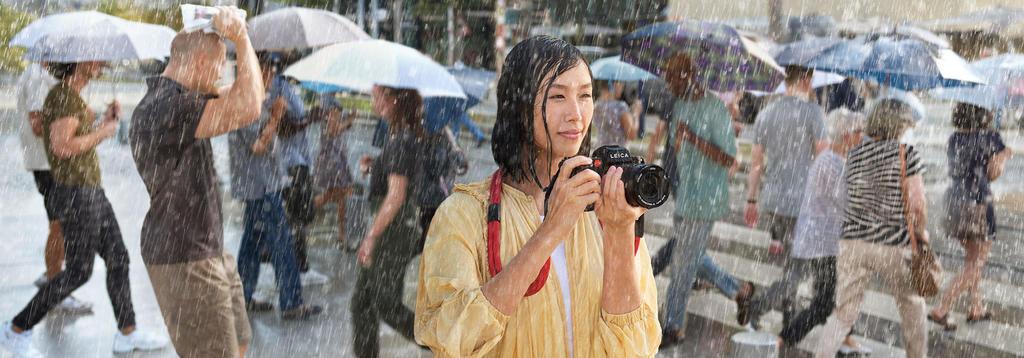 Leica-SL2_Keyvisual_Woman_Desktop_2400x840_teaser-2400x787