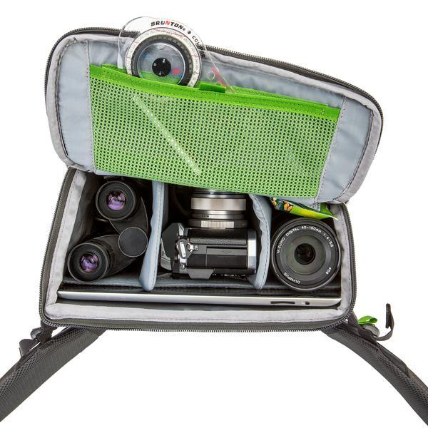 R180-Panorama-web_0016_MINDSHIFT_PANORAMA_BELT_PACK_WITH_MIRRORLESS_OPEN-A17V2826_grande