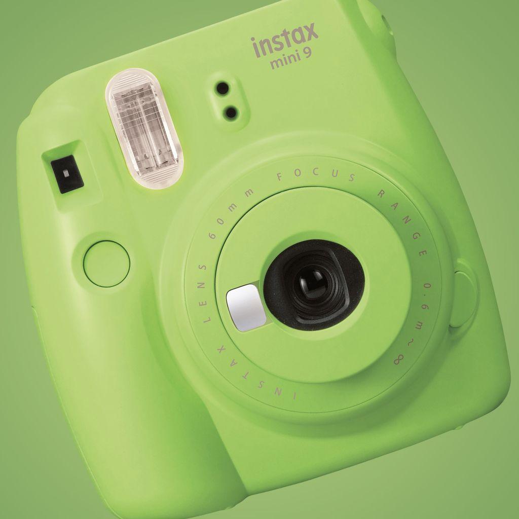 Instax Mini 9 - instantní fotoaparát se selfie zrcátkem a předsádkou