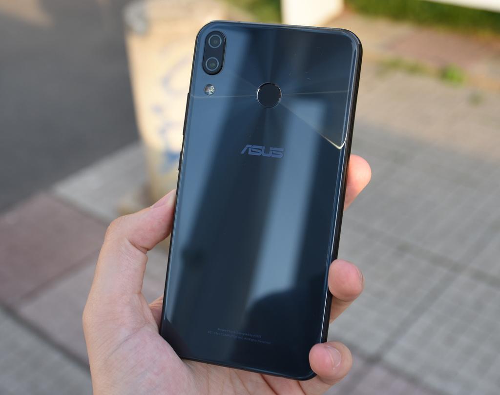 Asus Zenfone 5 ZE620KL (3)