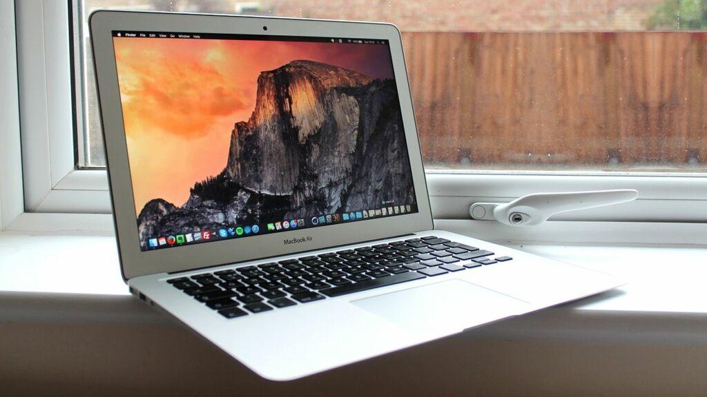 Zbrusu nové Apple MacBooky 2017 jsou skladem!