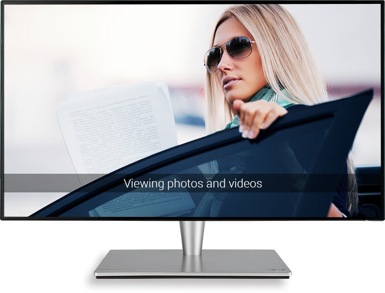 ASUS-Eye-Care-Technology-Viewing-photos-videos