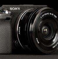 Vybrané fotoaparáty a videokamery Sony se slevou až 2 300 Kč.