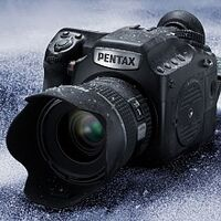 Středoformátový Pentax 645Z s 50 Mpx snímačem je na světě