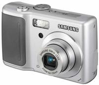 Samsung D70 stříbrný
