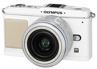 Olympus E-P1 bílý + 14-42 mm stříbrný