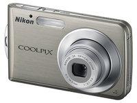 Nikon CoolPix S210 stříbrný