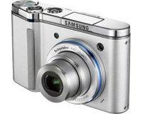 Samsung NV15 stříbrný