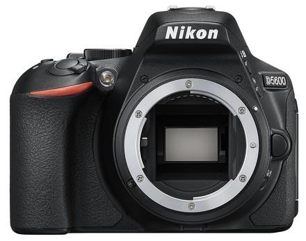 Nikon D5600 + 18-55 mm AF-P VR černý + 32GB Ultra + brašna TLZ 20!