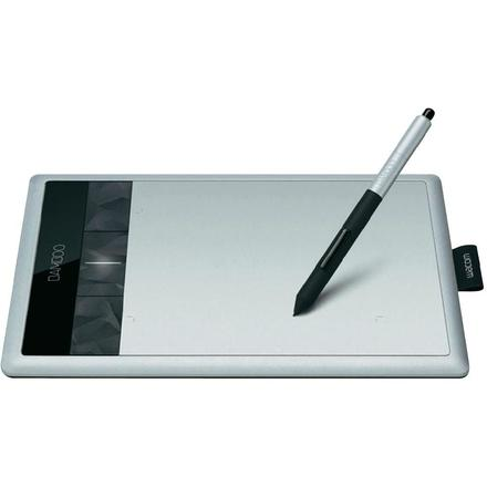 Wacom Bamboo Fun Medium Pen & Touch