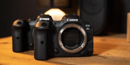 K bezzrcadlovkám Canon R5 a R6 adaptér DSLR objektivů zdarma