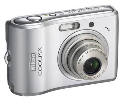 Nikon CoolPix L15 stříbrný + SD 1GB karta!