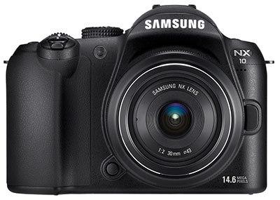 Samsung NX10 + 18-55 mm OIS + 30 mm