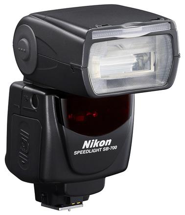 Nikon blesk SB-700 + portrétní set + nabíječka s 4x AA 2500 mAh!