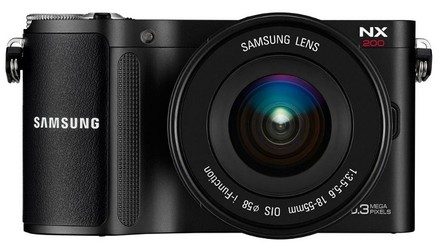 Samsung NX200 + 18-55 mm OIS i-Function