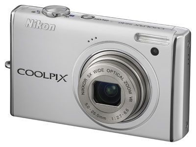 Nikon CoolPix S640 bílý