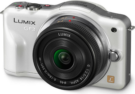 Panasonic Lumix DMC-GF3 bílý + 14 mm
