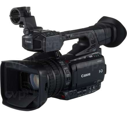 Canon XF200