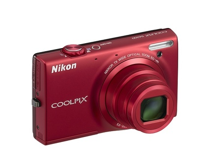 Nikon Coolpix S6100 červený