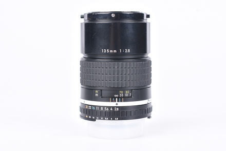 Nikon 135mm f/2,8 Series E bazar