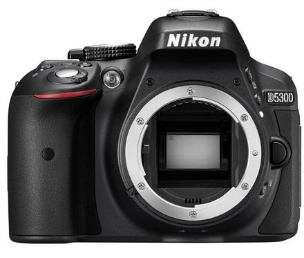 Nikon D5300 tělo + Tamron 18-200 mm f/3,5-6,3 Di II VC