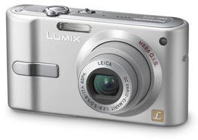 Panasonic DMC-FX12 stříbrný + podvodní pouzdro DMW-FX07E