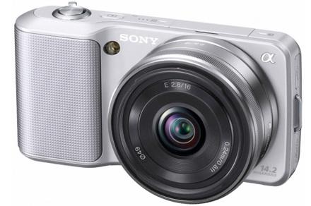 Sony NEX-3 stříbrný + 18-55 mm