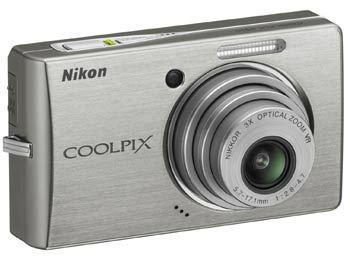 Nikon CoolPix S510 stříbrný + SD 2GB karta!