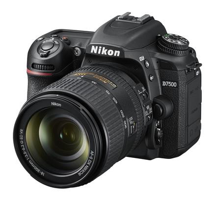 Nikon D7500 + 18-300 mm VR
