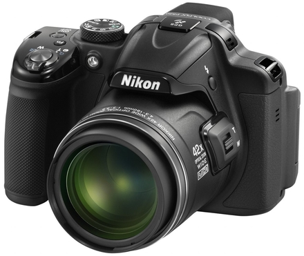 Nikon CoolPix P520 černý + 16GB karta + brašna Vista 40 + poutko na ruku!