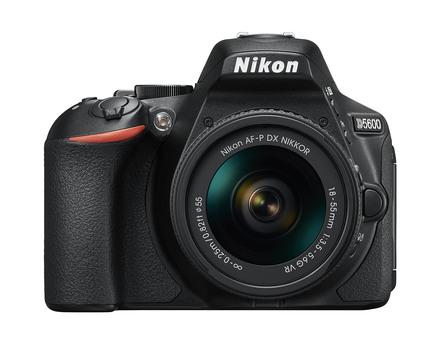 Nikon D5600 + 18-55 mm AF-P černý