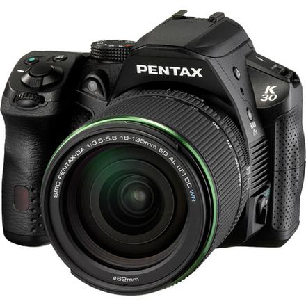 Pentax K-30 + 18-135 mm WR černý