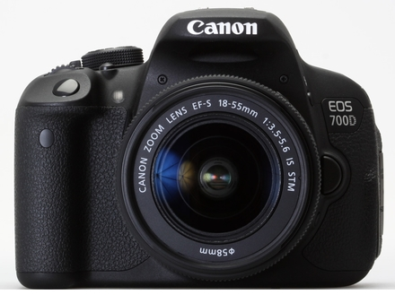 Canon EOS 700D + 18-135 mm IS STM