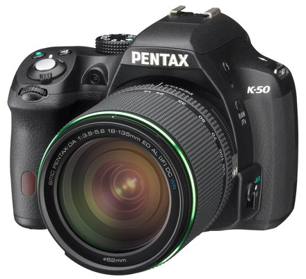 Pentax K-50 + 18-55 mm DA L AL WR + 50-200 mm DA L AL WR černý