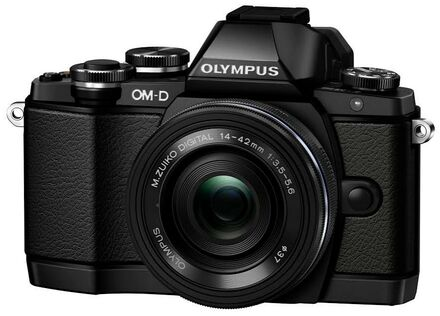 Olympus OM-D E-M10 + 14-42 mm EZ