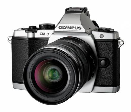 Olympus E-M5 + 12-50 mm