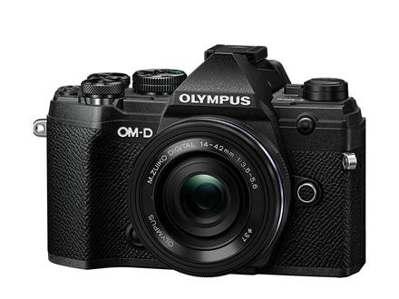 Olympus OM-D E-M5 Mark III + 14-42 mm EZ