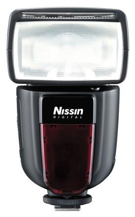 Nissin blesk Di700 pro Nikon + portrétní set + nabíječka s 4x AA 2450 mAh!