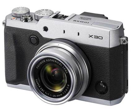 Fujifilm Finepix X30 stříbrný + 16GB Ultra + akumulátor + sluneční clona!