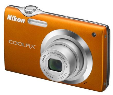 Nikon Coolpix S3000 oranžový